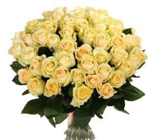 букет из кремовой розы