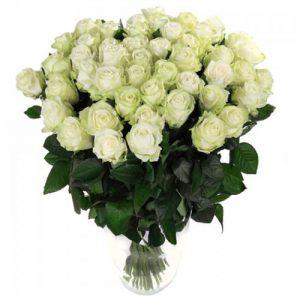 пятьдесят одна белая роза