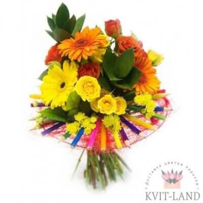 фломастеры и цветы в букете