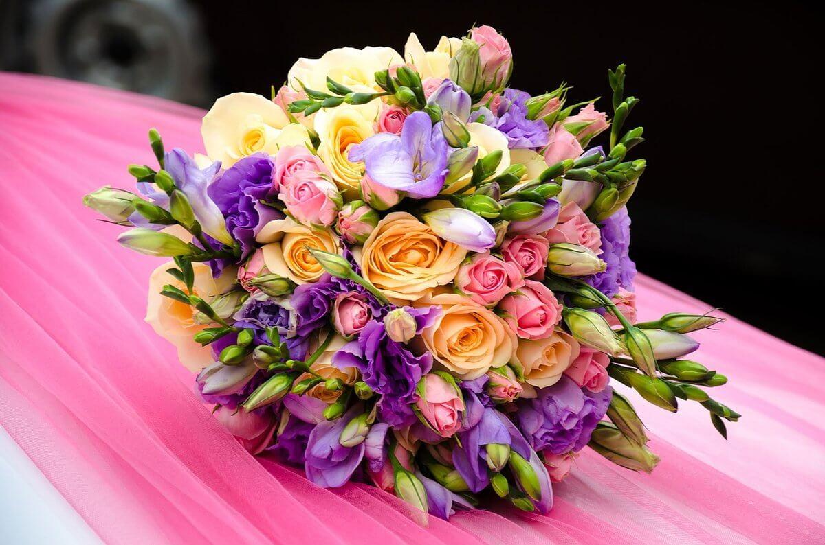 Какие цветы подарить на день рождения самому родному человеку – МАМЕ?