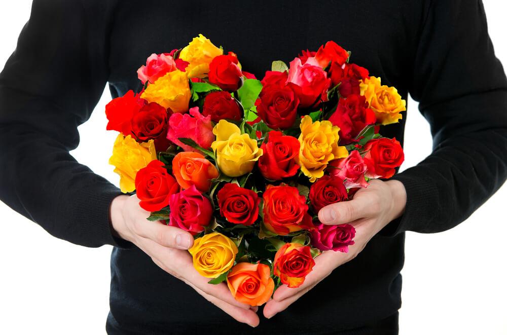 Купить цветы девушке в Харькове с услугой доставка цветов – самое правильное решение